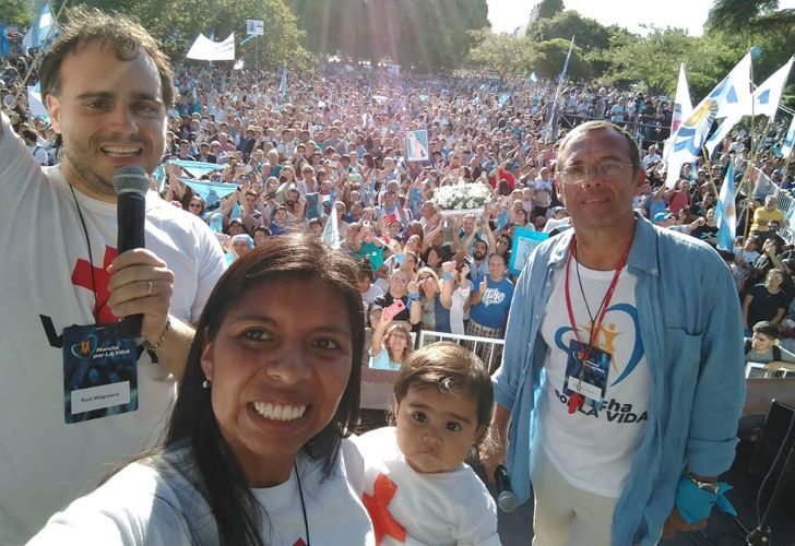 Tens of thousands of people demonstrated Saturday, in a 'March for Life' event in Buenos Aires. As many as 60 other marches took place in cities across Argentina.