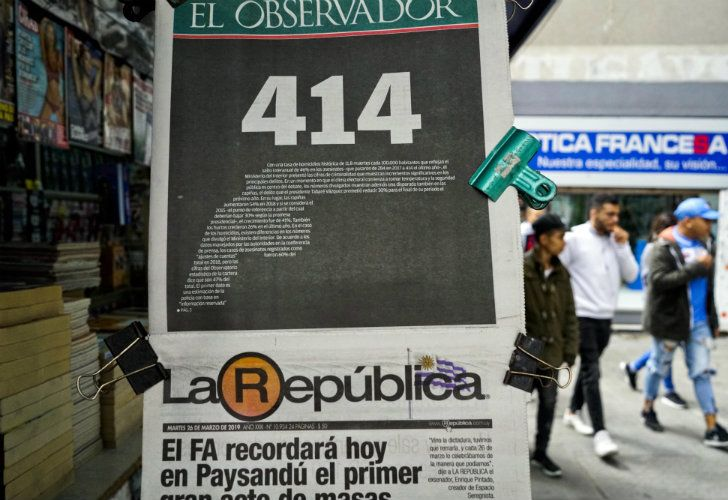 The frontpage of the Uruguayan newspaper, El Observador, shows the number '414,' a refence to the number of homicides committed in 2018.