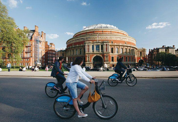 PARÍS & LONDRES. Muy amigables, con sus puentes, sus parques y sus encantadoras callecitas que son una invitación a pedalear entre monumentos, historia y tiendas fashion.