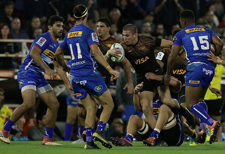 Jaguares wing Sebastián Cancelliere vies for the ball with South Africa's Stormers players during their Super Rugby match at José Amalfitani stadium in Buenos Aires, on May 4, 2019.